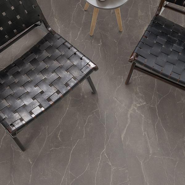 Design podna obloga D038 MARMOR PARRINI GREY 4V EPDLAR-D038/0 Posetite centar podnih obloga Floor Experts