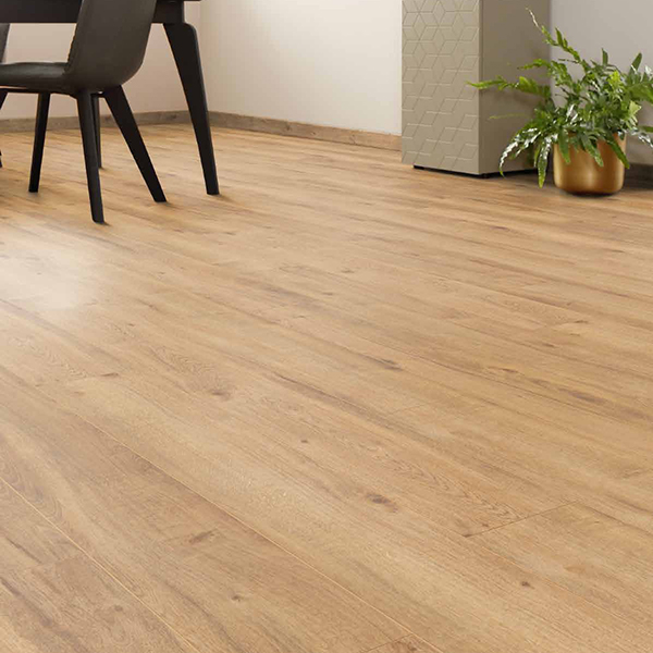 Laminat HRAST BALTIMORE VABCOS-827V/0 Posetite centar podnih obloga Floor Experts