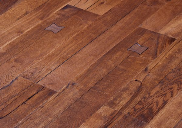 Parket HRAST ANTIGUA HERDRE-ATG010 Posetite centar podnih obloga Floor Experts
